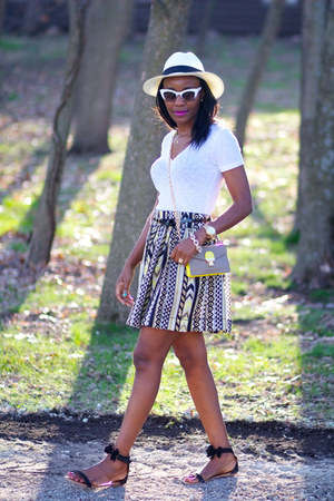 Willow &amp; Clay skirt - asos sunglasses - J-Crew top - Nara sandals