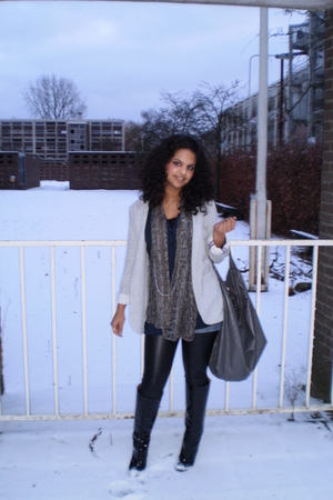 gray blazer - gray Mango purse - black Zara boots - blue H&M shorts