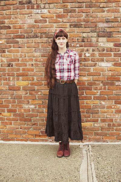 alloy skirt - doc martens boots - Target shirt - lila-jo scarf - delias belt