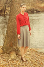 Heather-gray-modcloth-skirt-pussybow-blouse-ruby-red-t-strap-modcloth-heels