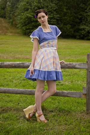vintage 70s dress - modcloth wedges