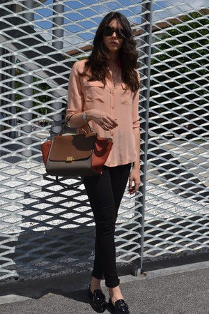 peach Equipment shirt - tawny Celine bag - black Victoria Bechkam pants