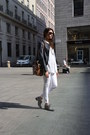Navy-mauro-grifoni-jacket-white-pirelli-pants