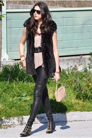 dark brown vintage vest - black Chloe boots - neutral Celine bag