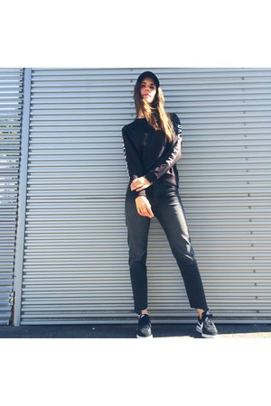 black H&M hat - black H&M sweatshirt - gray nike sneakers
