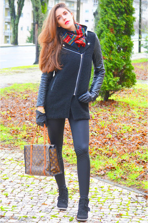 black leather Lookbook Store coat - red cashmere Ralph Lauren scarf