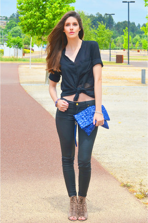 blue malindi bracelet - black leather Zara jeans - black sheer Tiffosi shirt