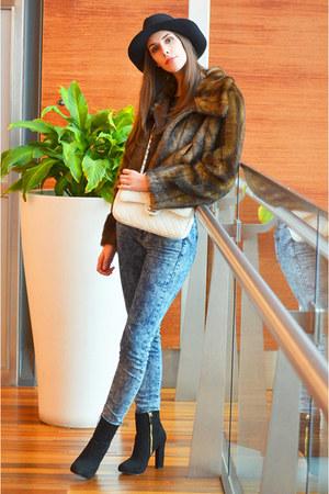 brown Ferrache coat - white Chanel bag