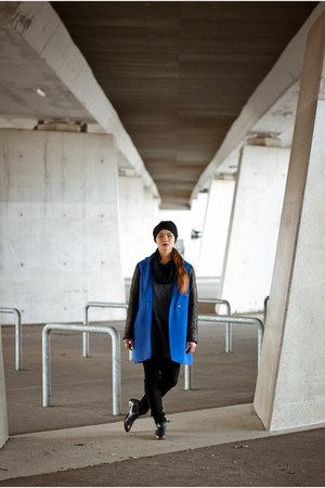 blue SASKA coat - navy SASKA blouse - black H&M pants