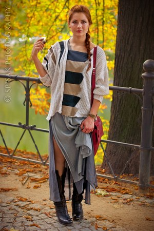 beige DIY sweater - silver SASKA dress - ruby red leather Krokodyl bag