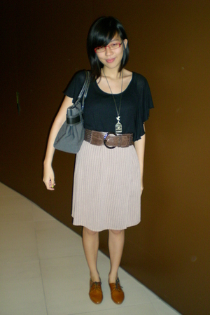 brown Mimosa shoes - beige skirt - brown This Fashion belt - gold elitrend acces