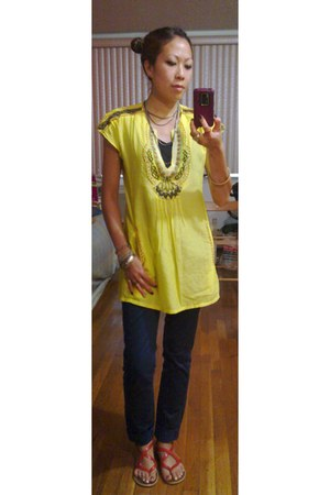 yellow beaded collar vintage top - navy skinny Esprit pants
