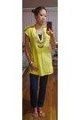 Yellow-beaded-collar-vintage-top-navy-skinny-esprit-pants