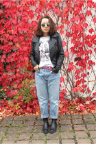Marc by Marc Jacobs t-shirt - Moschino boots - Levis jeans