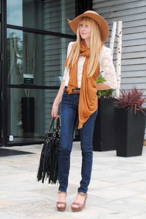 Forever 21 blouse - Nine West shoes - Forever 21 jeans - vintage hat - H&M scarf
