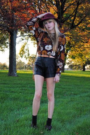 Forever 21 shorts - vintage blouse - vintage hat
