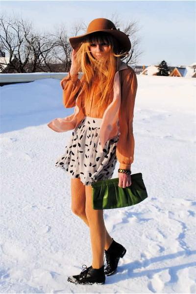 vintage hat - vintage blouse - Forever 21 skirt