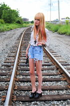 vintage shirt - Forever 21 shoes - Levis shorts
