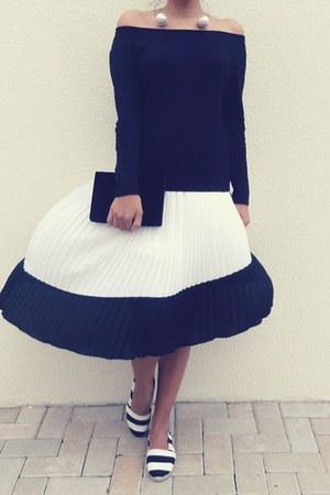 top - velvet clutch purse - flats - pleated skirt skirt