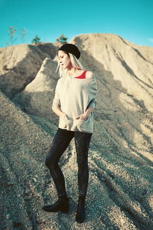 black chelsea vagabond boots - H&M jeans - black Newdress hat