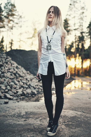 white zaful shirt