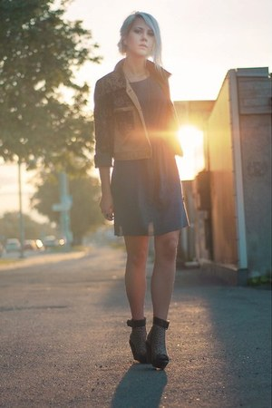 blue inlovewithfashion dress - blazer - vagabond wedges