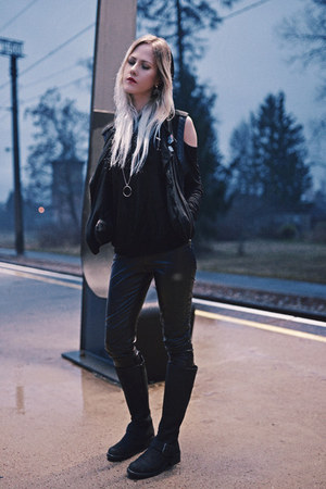 black Clarks boots - black faux leather H&M pants - black Living Doll vest