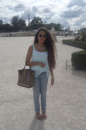 new look necklace - Forever 21 jeans - VANESSA BRUNO bag - Aldo glasses