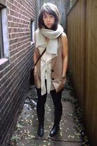 Sarah Boutique vest - Sarah Boutique vest - Garage Sale boots
