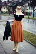 burnt orange suede romwe skirt - nude La Redoute boots