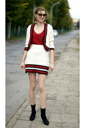 white shein blazer - black Rosegal boots - white shein skirt