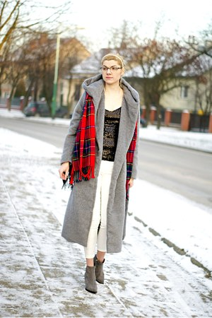 heather gray reserved coat - heather gray Choies boots - red Rosewholesale scarf