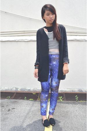 black thrifted blazer - blue galaxy print leggings - black flats