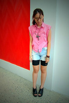 hot pink top - light blue jeans - black bike shorts - black peep toe clogs