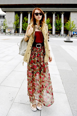 maroon unknown skirt - brick red unknown skirt - beige backpack kanken bag
