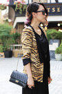 Gold-zara-blazer-black-255-reissue-chanel-bag