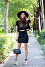Black-cropped-forever21-shirt-black-chanel-bag-black-jeffrey-campbell-heels
