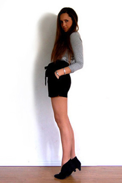 Ralph Lauren sweater - GINA TRICOT shorts - Rizzo shoes