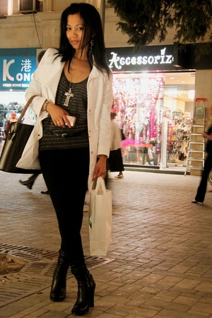 white Motivi coat - black ankle boots Turkish Brand - black jeans Mexx