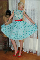 sky blue 1950s day dress thrifted vintage from Ebay dress