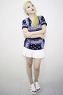 Black-paisley-shirt-supreme-t-shirt-white-pleated-skirt-bazaar-skirt