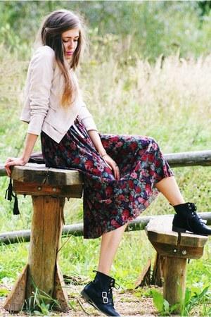black Stradivarius boots - neutral Modekungen jacket - vintage skirt