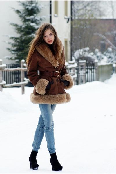 vintage belt - TKmaxx shoes - vintage moms coat - Bershka jeans