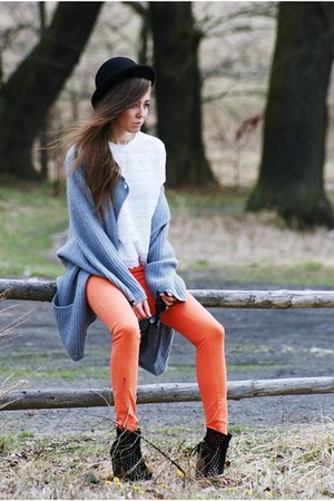 heather gray vintage sweater - carrot orange Zara pants
