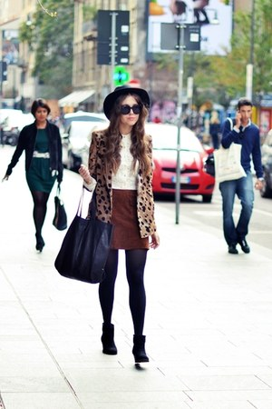 vintage skirt - Zara boots - vintage hat - united colors of benetton shirt