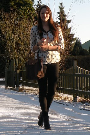 neutral Zara blouse - black H&M shoes - black H&M pants