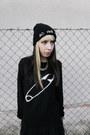 Black-bad-hair-day-front-row-shop-hat-black-vateno-sweater