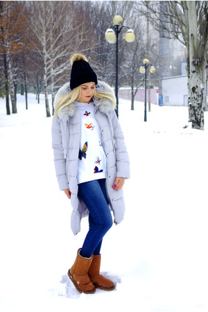 carrot orange Ugg boots - periwinkle GAMISS coat - blue StyleWe jeans