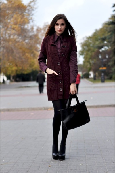 ruby red APANAGE blouse - ruby red APANAGE cardigan - black Tucino heels