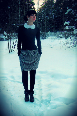 black Terranova top - ivory Only skirt